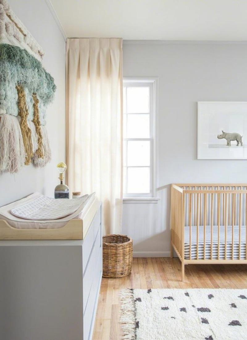 Дизайн штор для детской комнаты бежевый