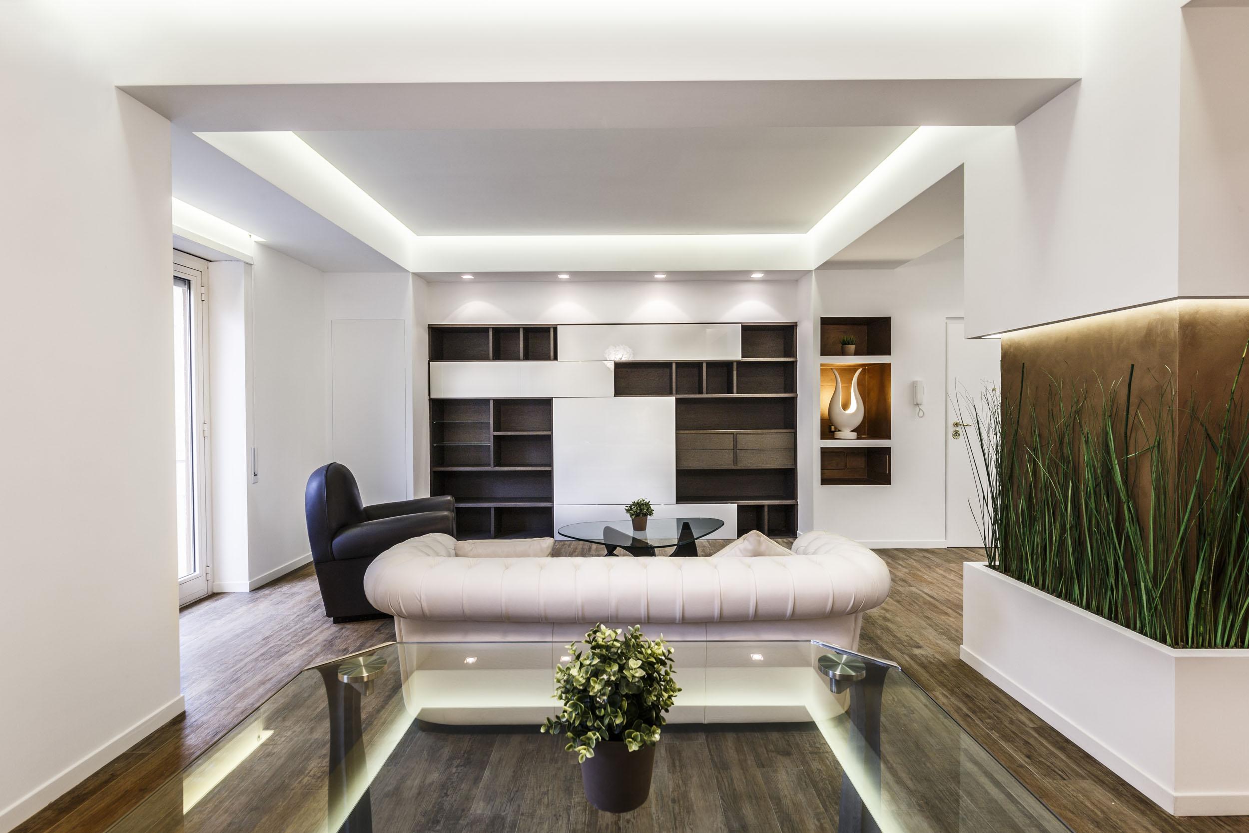 Белая гостиная в итальянском стиле