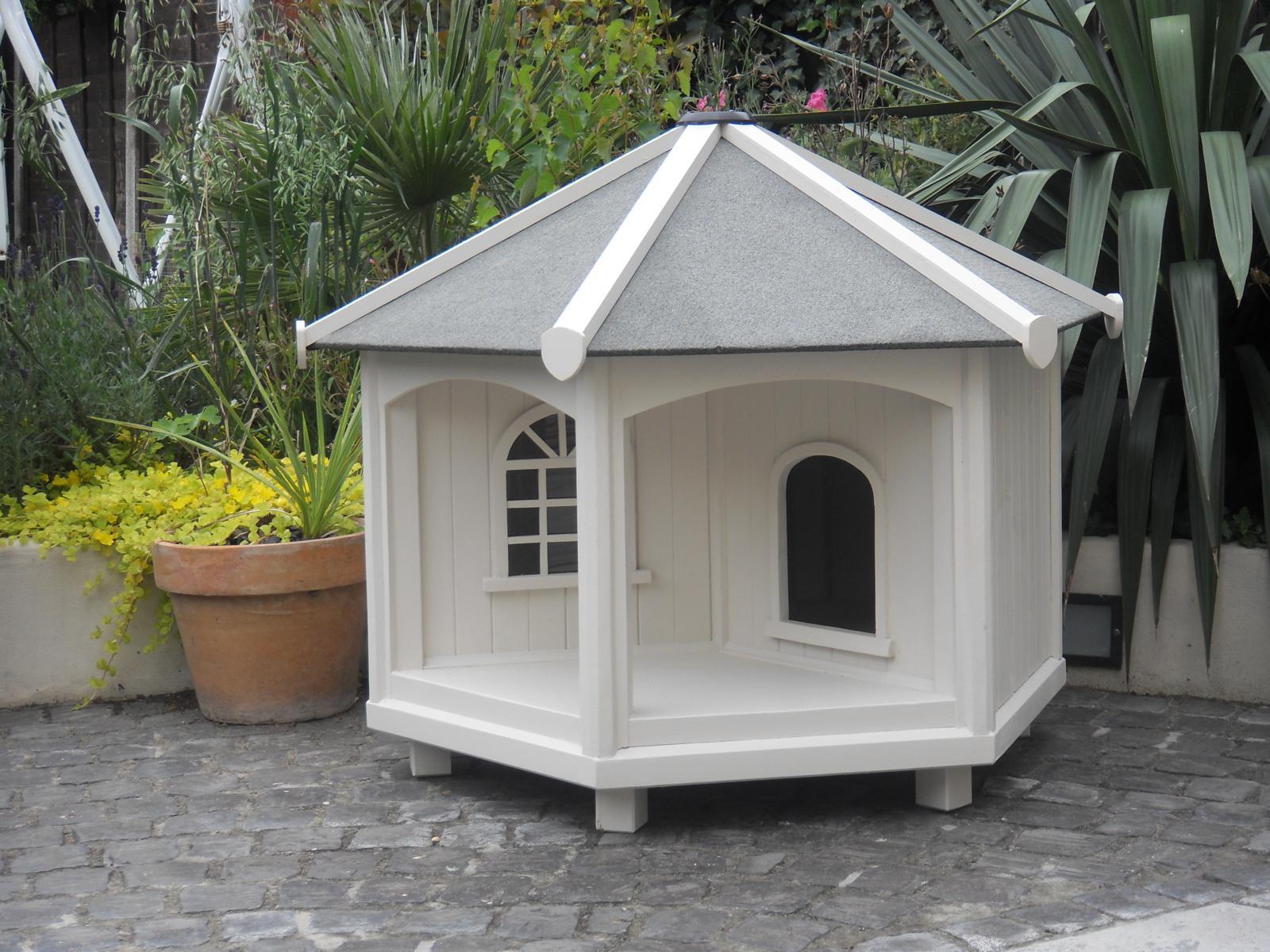 Белый домик для кошки