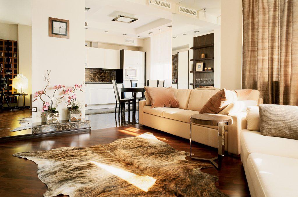 Уютная квартира-студия в бежевых тонах