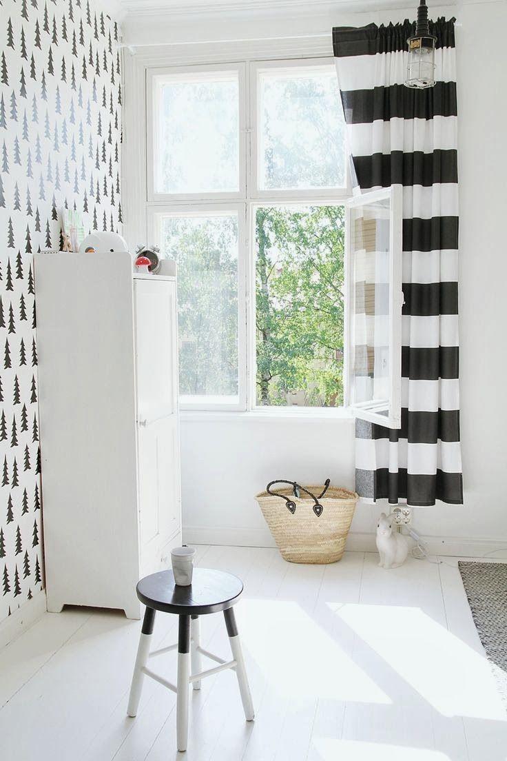 Дизайн штор для детской комнаты черно-белый
