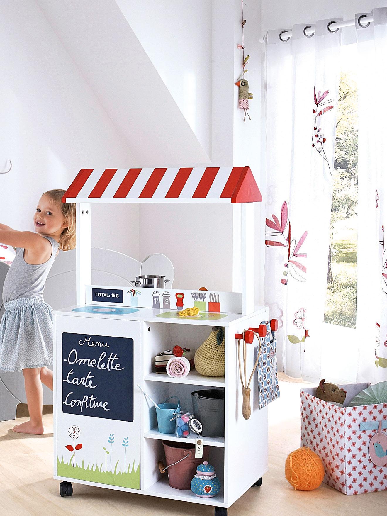 Дизайн штор для детской комнаты цветочный