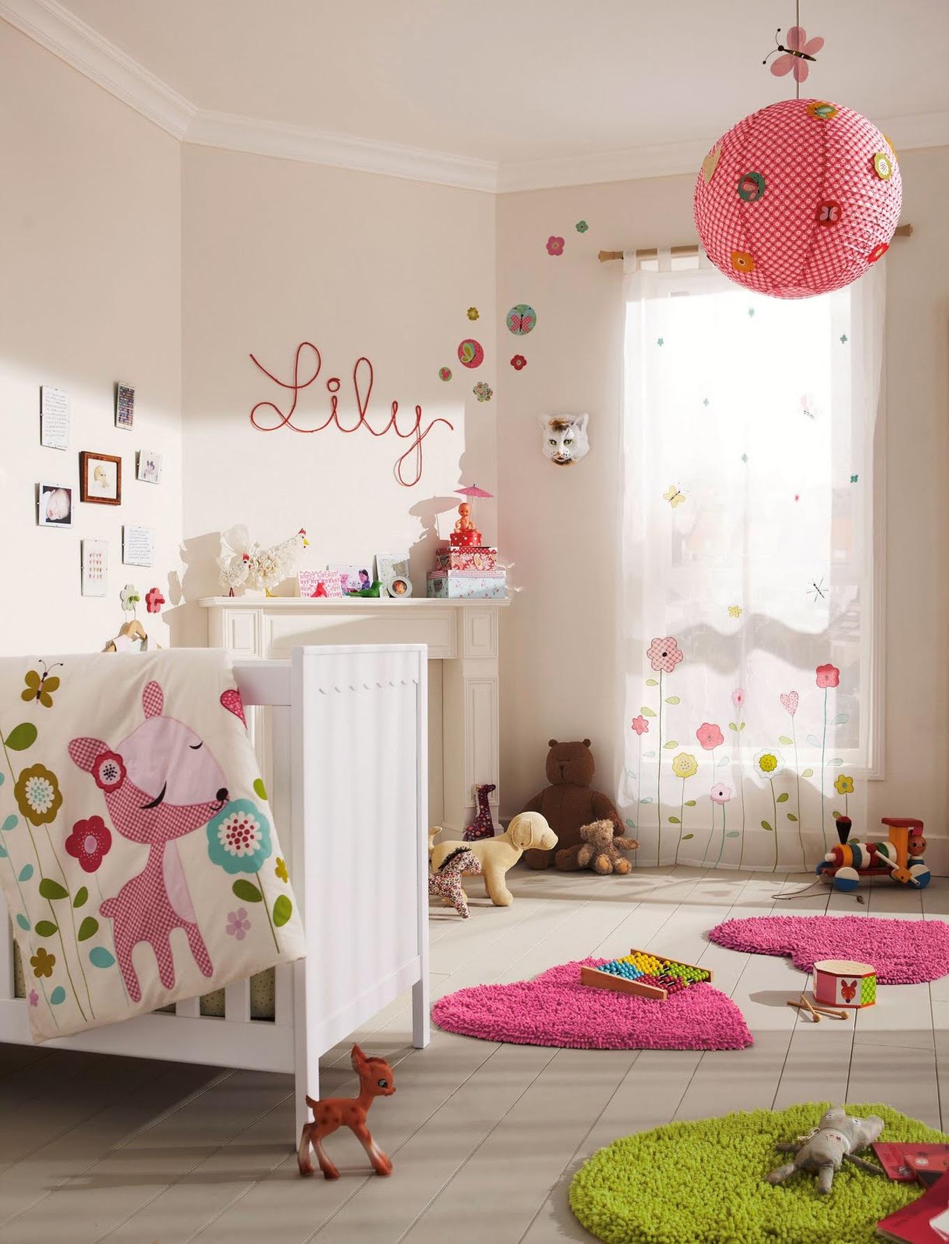 Дизайн штор для детской комнаты с цветами