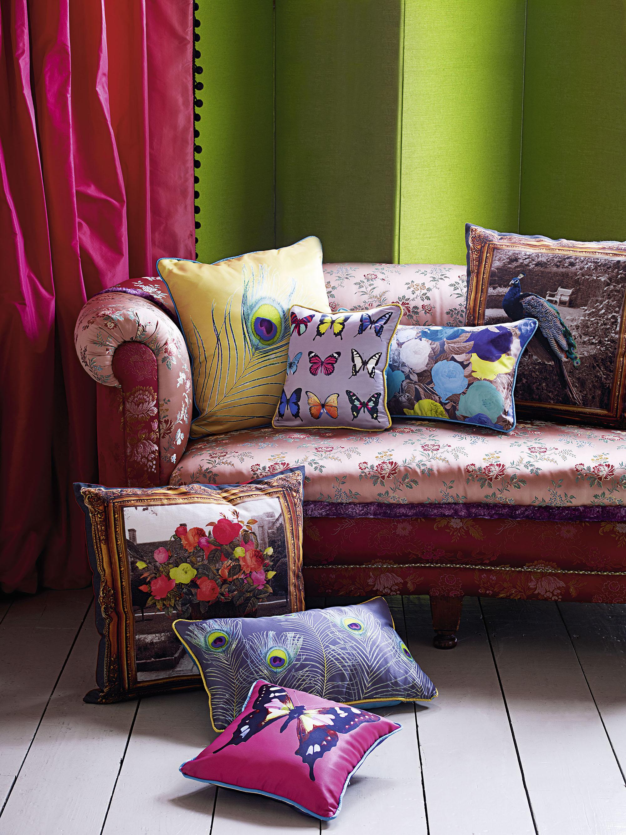 Яркие подушки для украшения интерьера