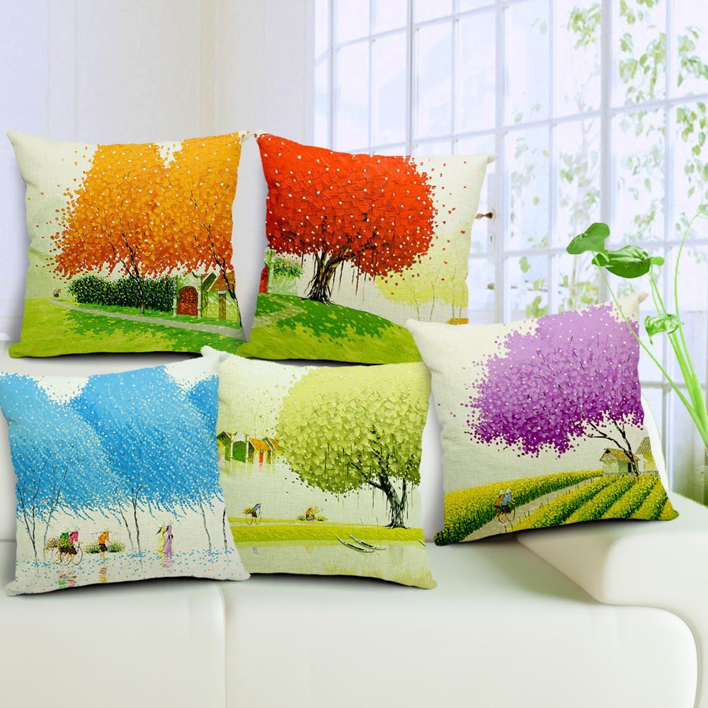 Разноцветные яркие декоративные подушки с деревьями