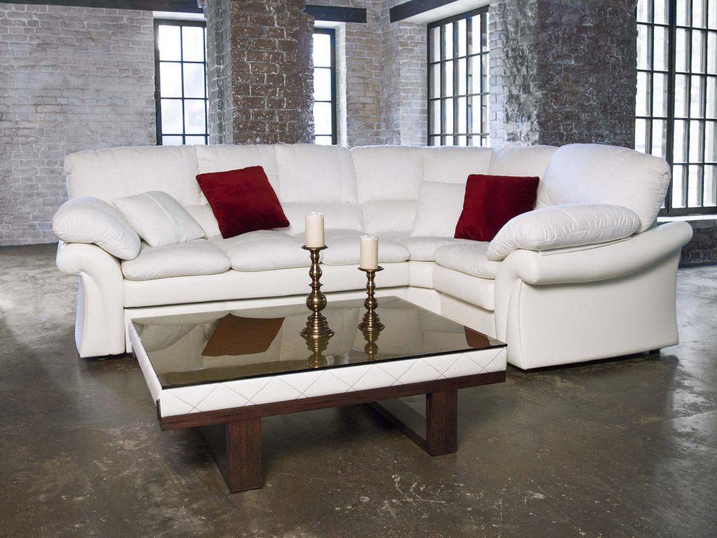 Белый угловой диван в стиле неоклассика