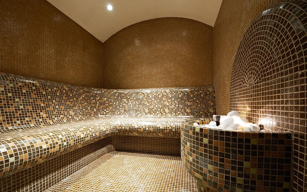 Баня с мозаикой в интерьере