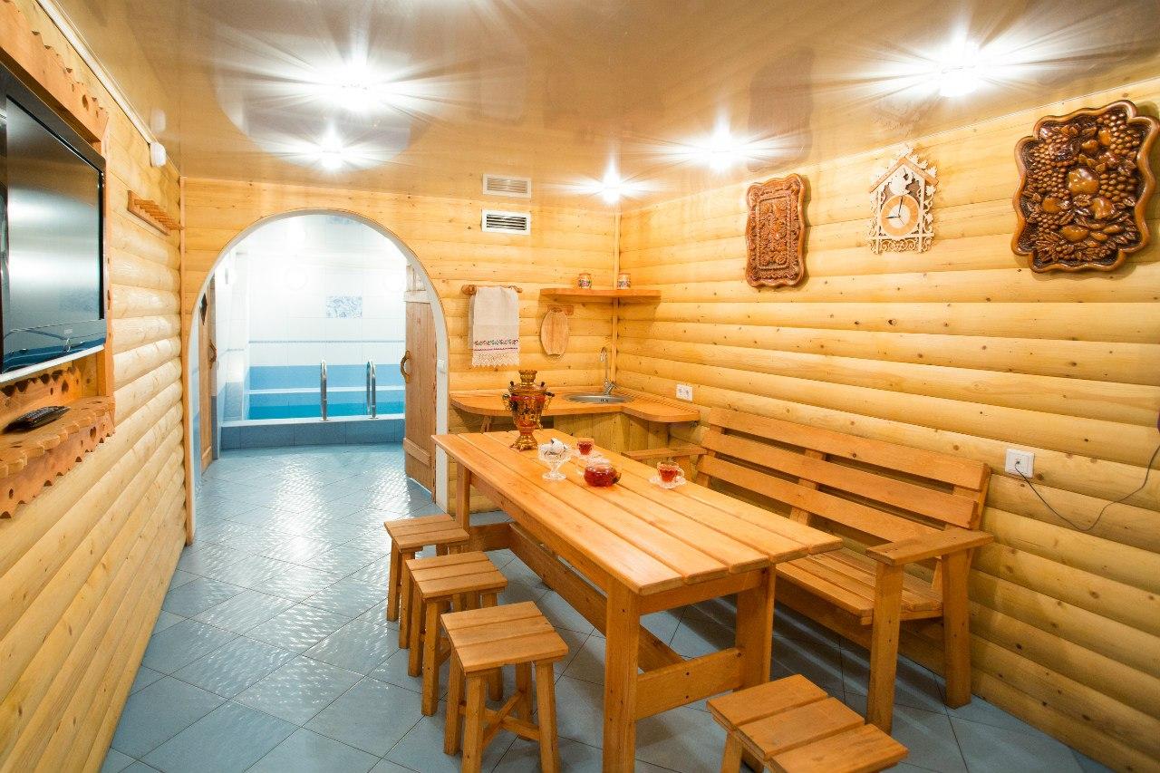 Комната отдыха с доступом к бассейну