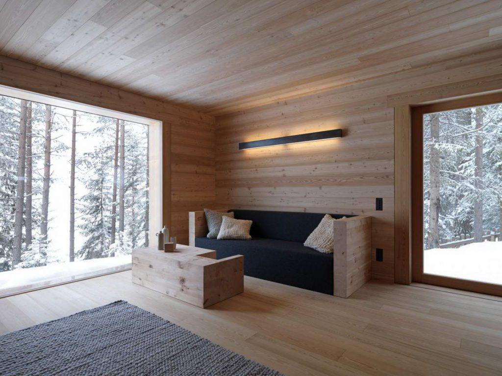 Современная дача с большими окнами