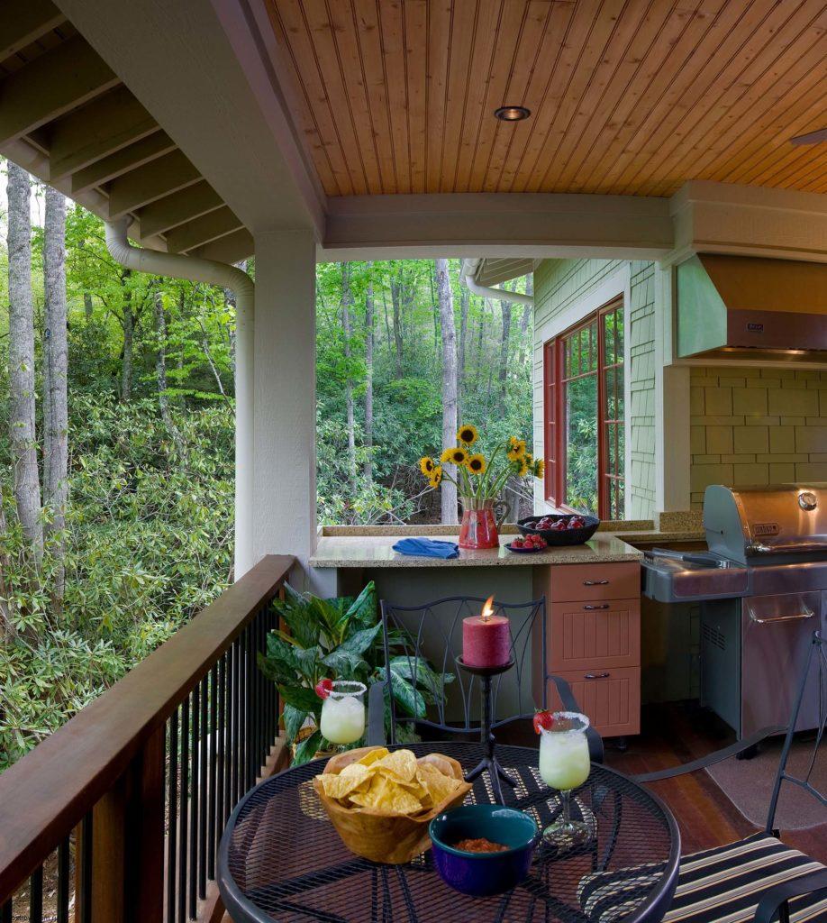 Дизайн крыльца загородного дома