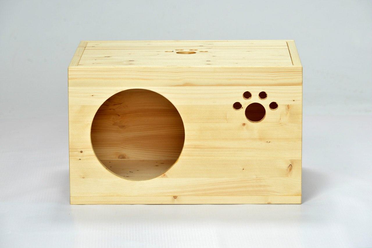 Простой деревянный домик для кошки