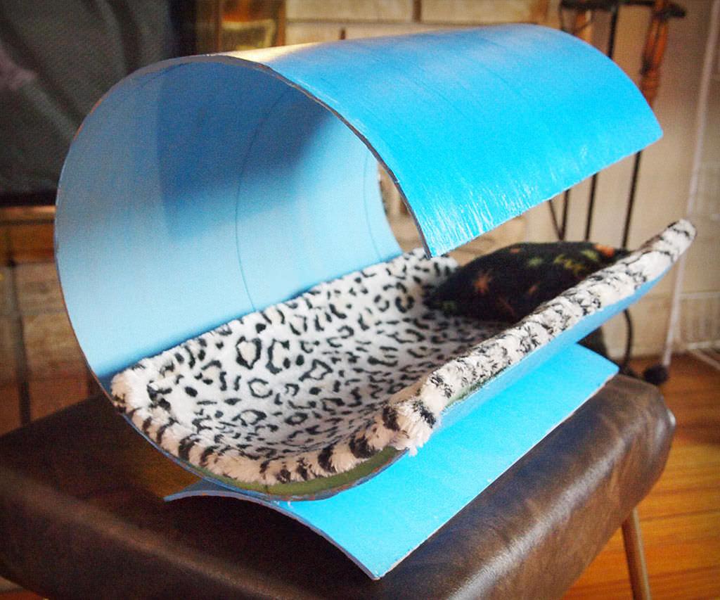 Необычная лежанка для кошки