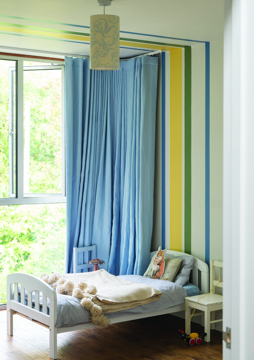 Дизайн штор для детской комнаты голубой однотонный