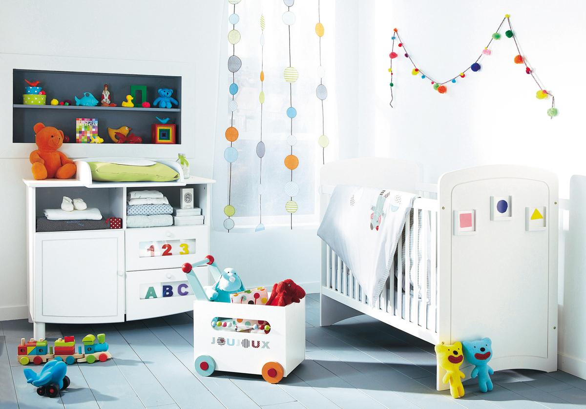 Дизайн штор для детской комнаты в горошек