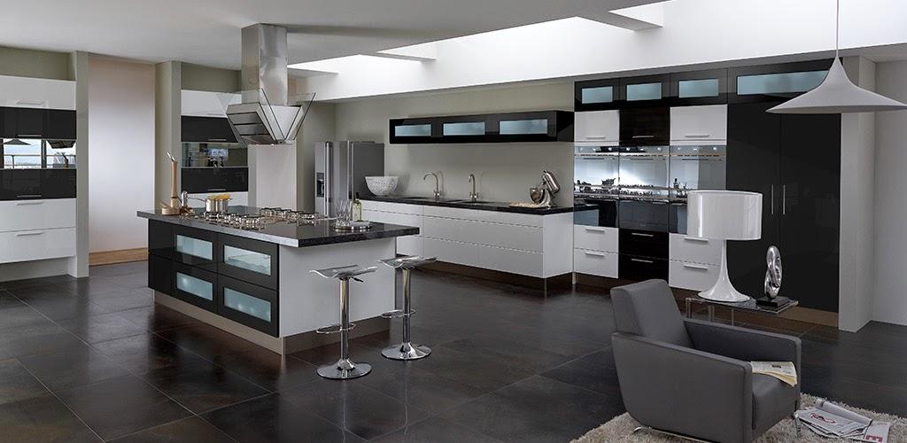 Простой интерьер кухни в хай-тек стиле
