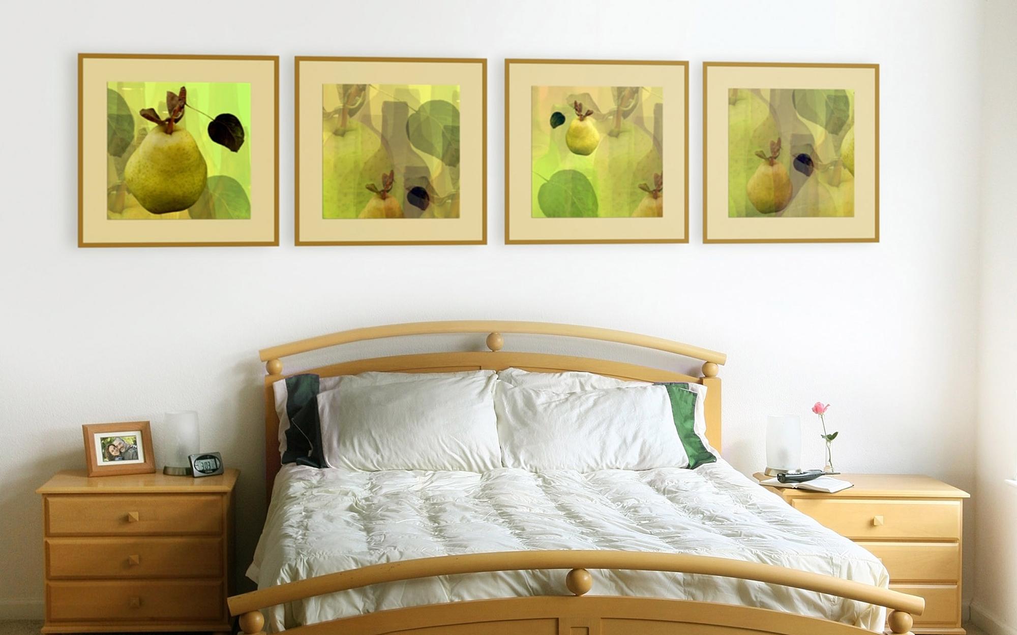 Картины с изображением фруктов и зелени над изголовьем кровати