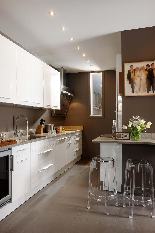 Сочетание коричневого цвета в интерьере кухни