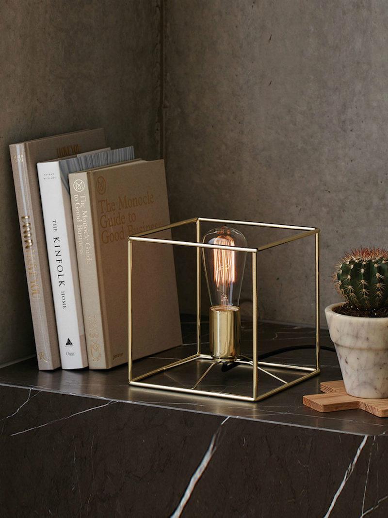Прикроватный светильник в стиле лофт