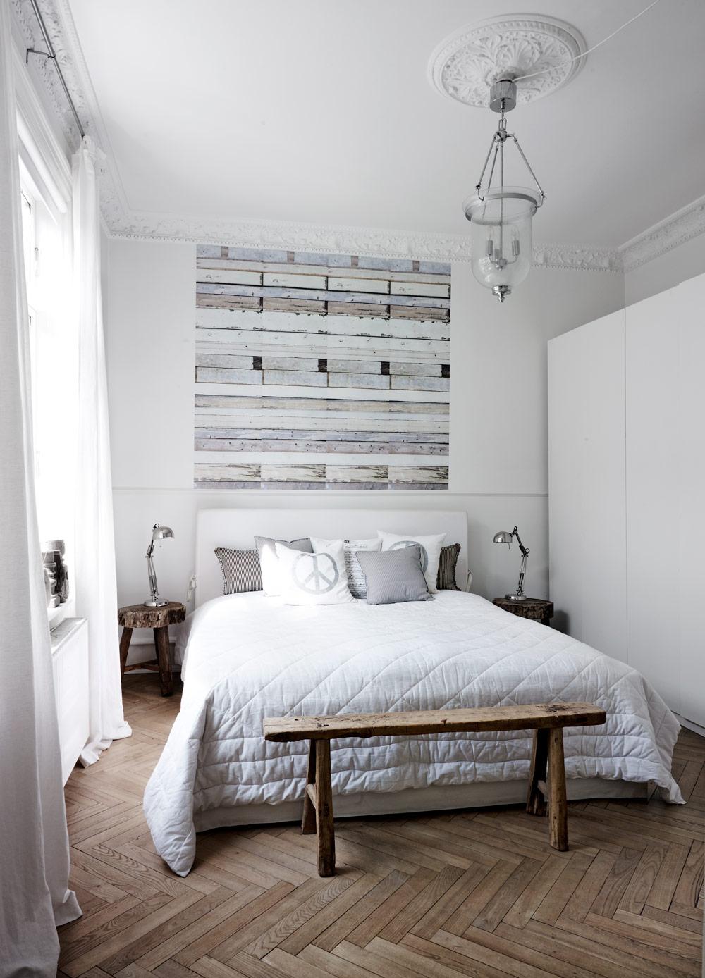 Картины над кроватью в стиле лофт
