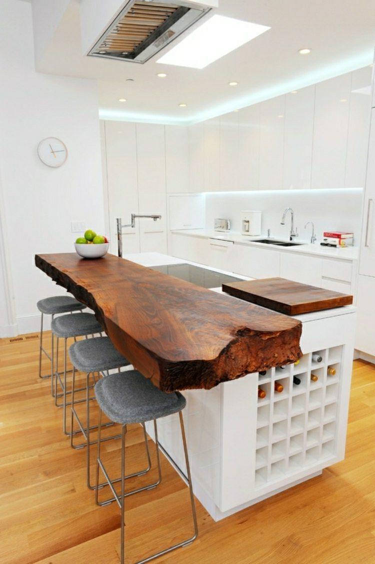 Дизайн кухни с барной стойкой из массива