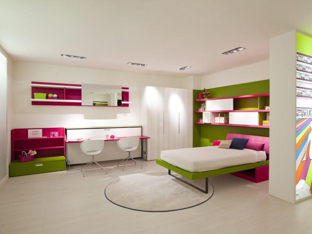 Двойное рабочее место и кровать-трансформер в спальне