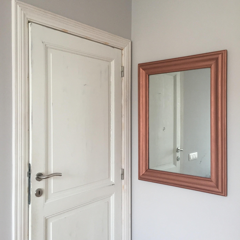 Медная рама для зеркала