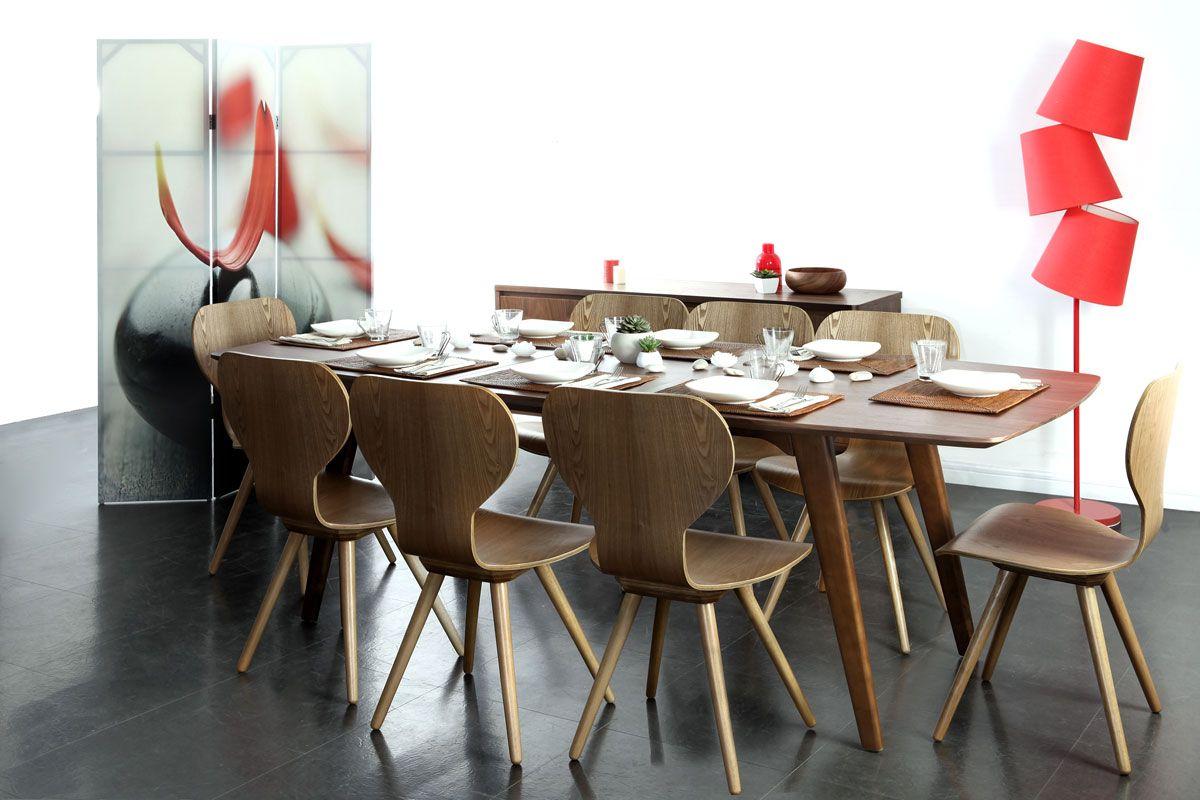 Обеденный стол в стиле модерн