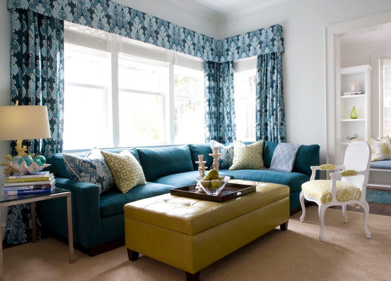 Сине-голубые шторы с принтом и ламбрекеном