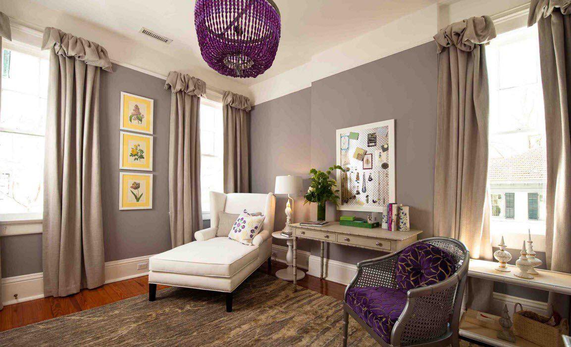 Коричневые льняные шторы в гостиной