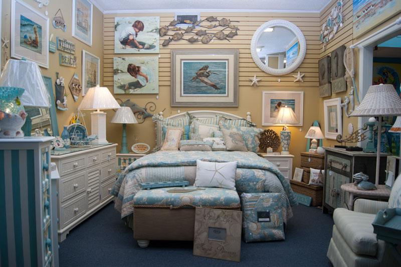 Спальня с морским декором