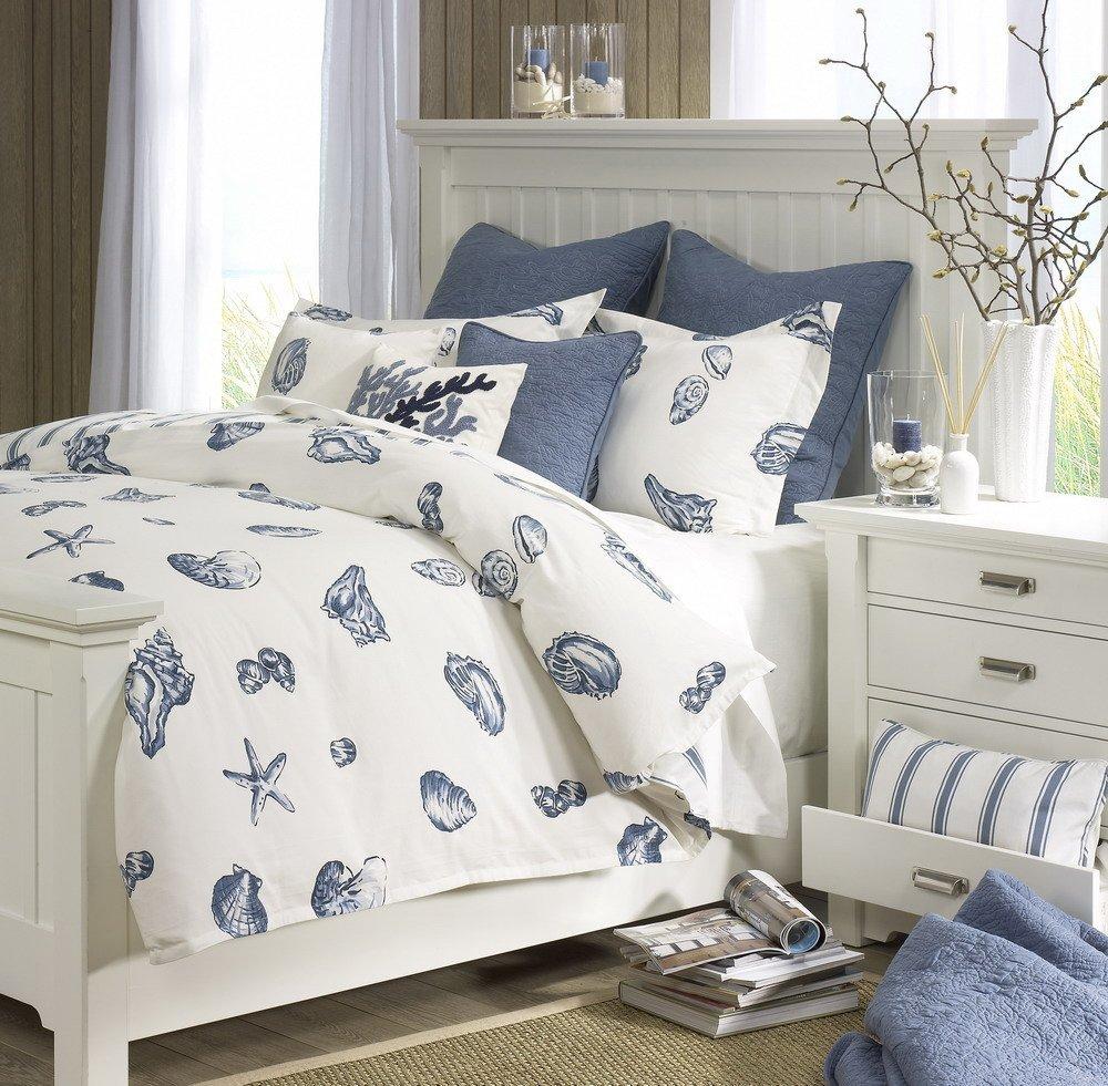 Уютная спальня с морскими мотивами