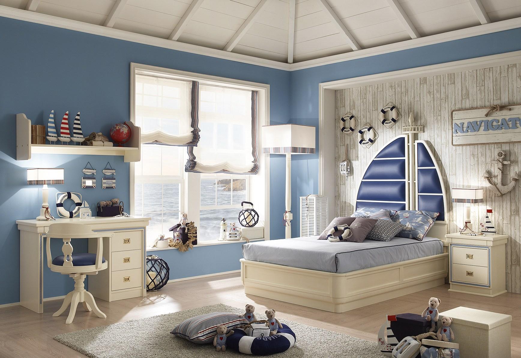 Большая детская комната для мальчика в морском стиле