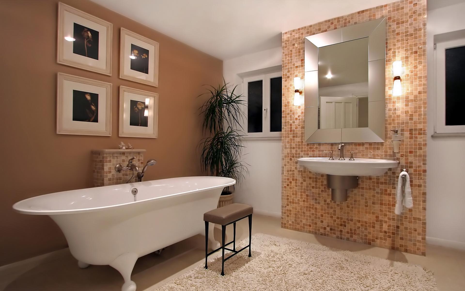 Частичное оформление ванной кремовой мозаикой