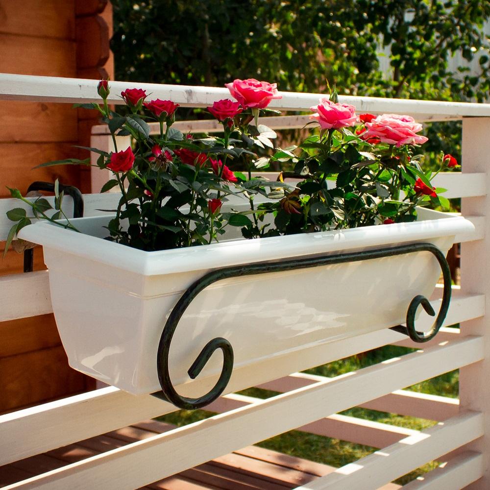 Пластиковая белая подставка для цветов