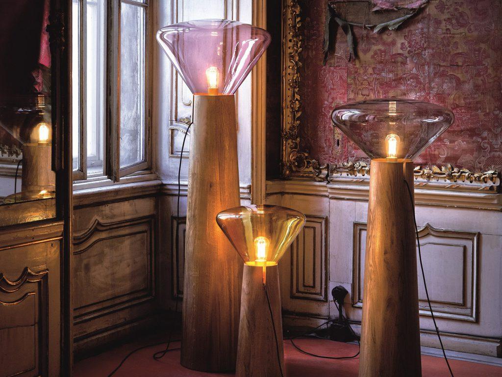 Необычные напольные деревянные вазы с лампами