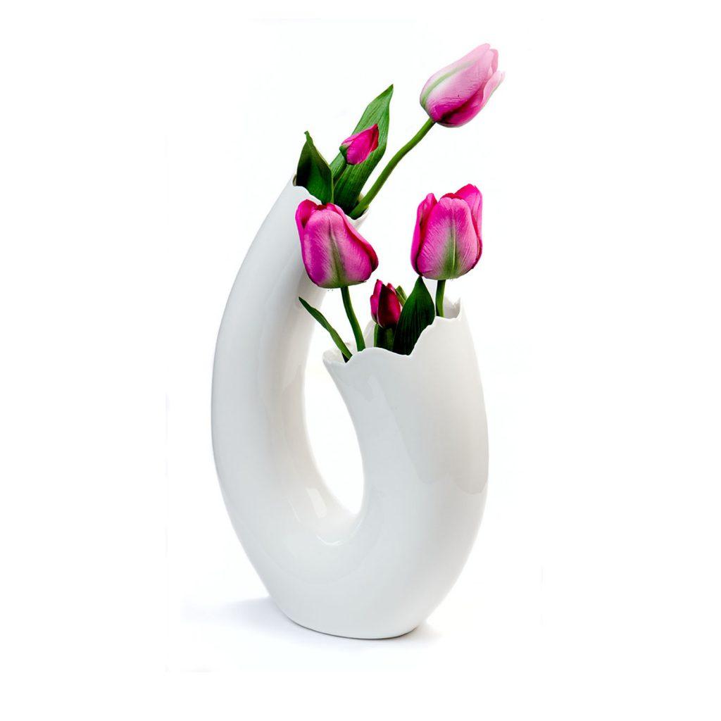 Белая фигурная керамическая ваза