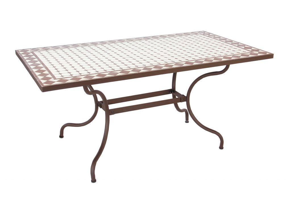 Металлический стол для кухни с каменной столешницей