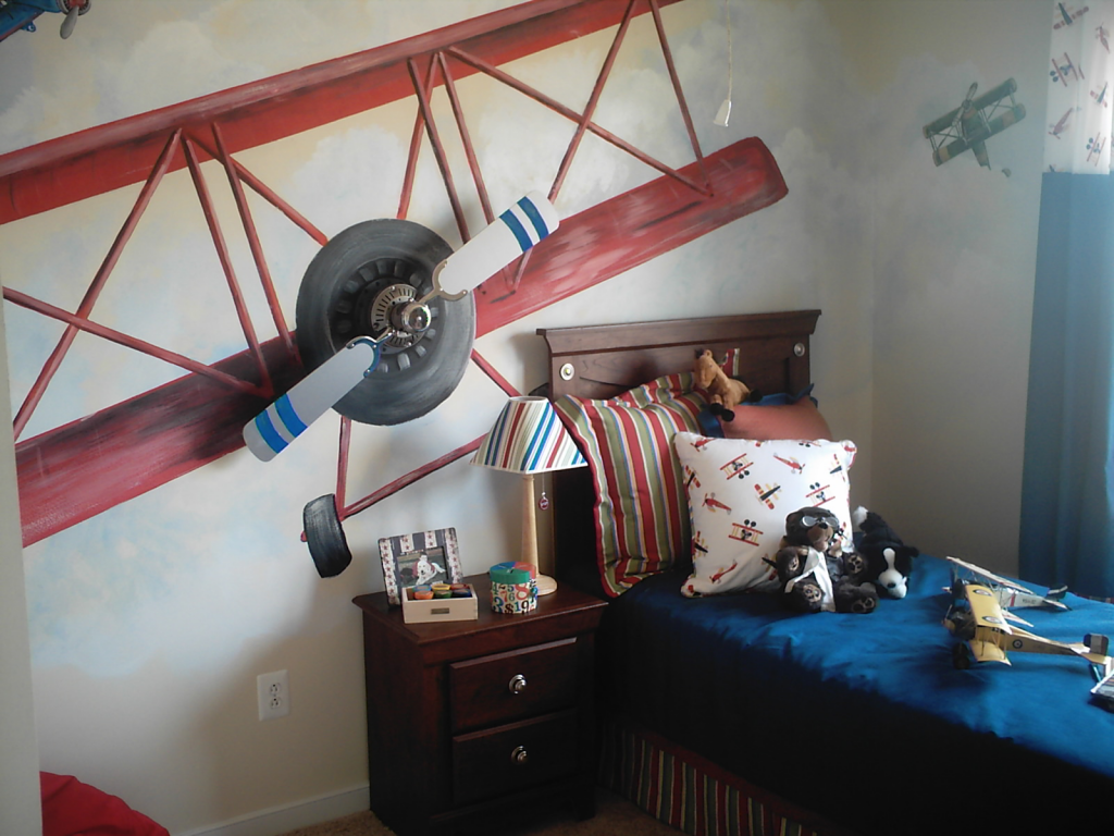 Стены детской с изображением самолета