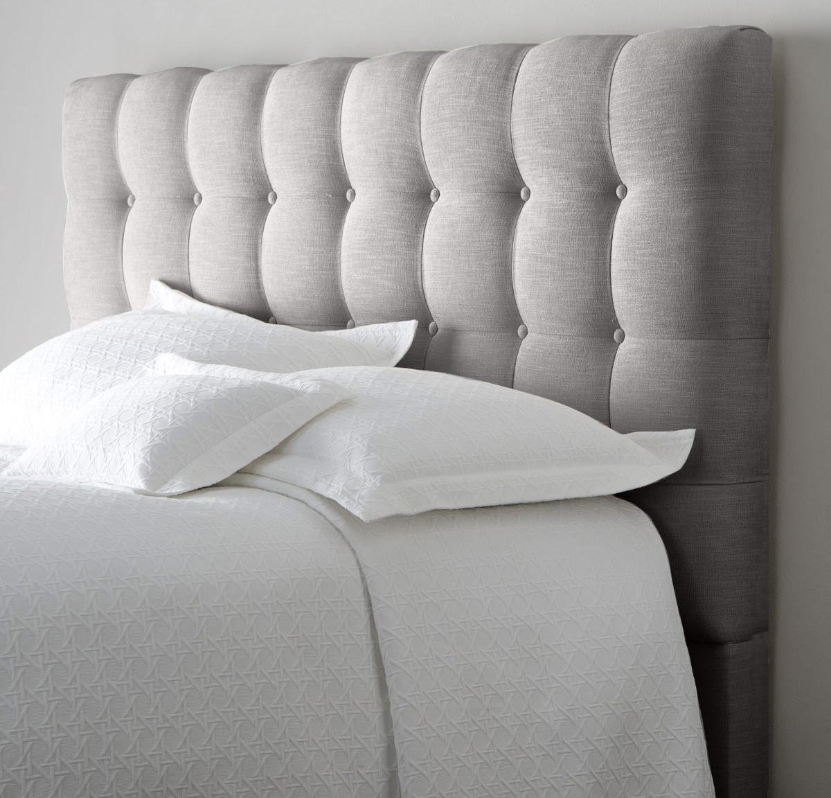 Серое мягкое изголовье для кровати