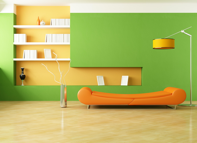 Салатовые стены в сочетании с оранжевой мебелью