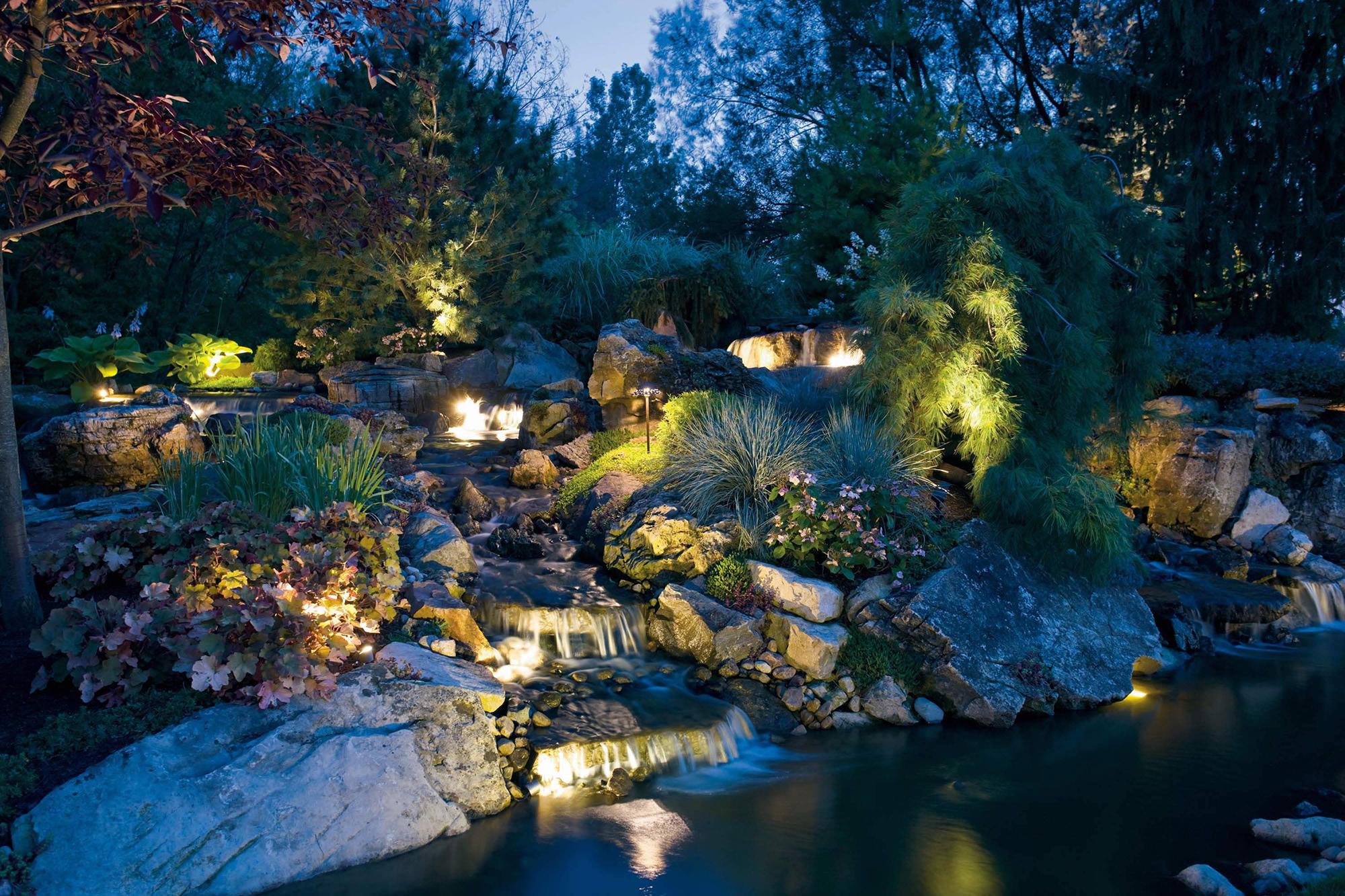 Ландшафтное освещение сада