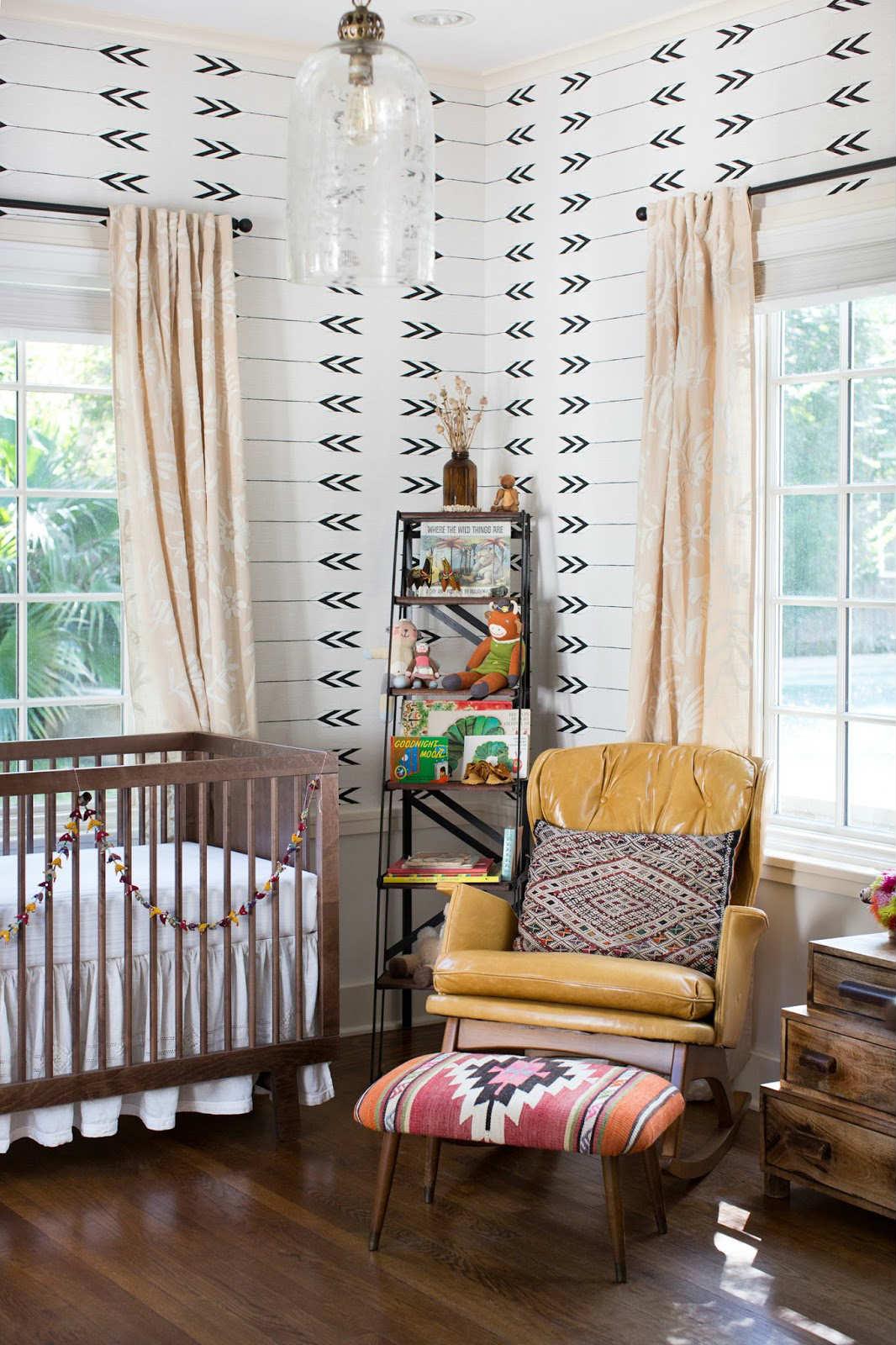 Дизайн штор для детской комнаты персиковый