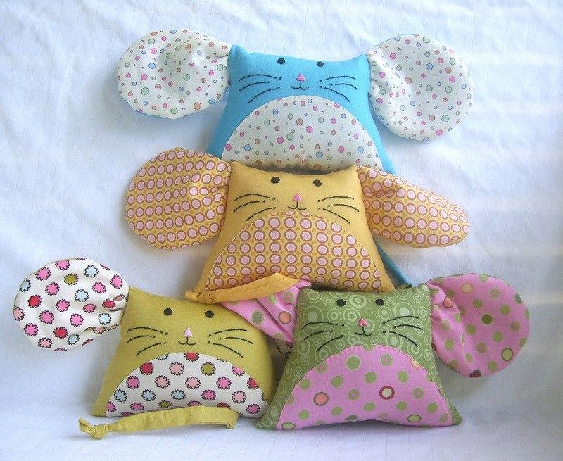 Веселые подушки в виде мышек для детской