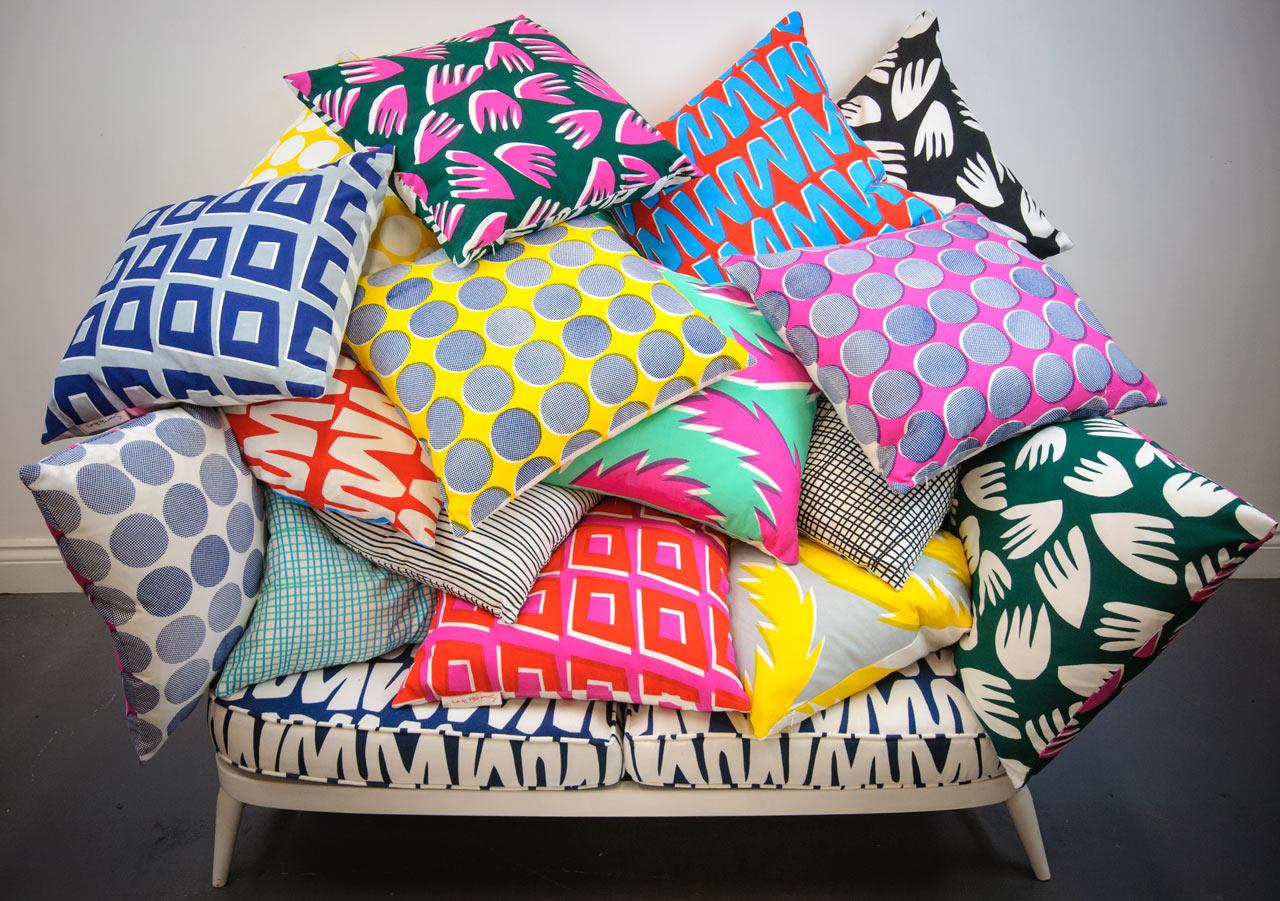 Подушки с различными рисунками