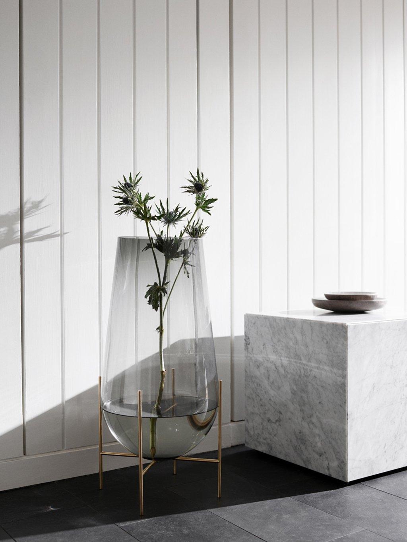 Напольная ваза с подставкой