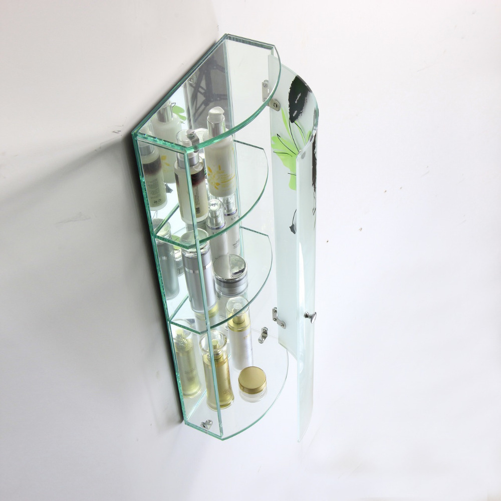 Полки из стекла под принадлежности в ванной