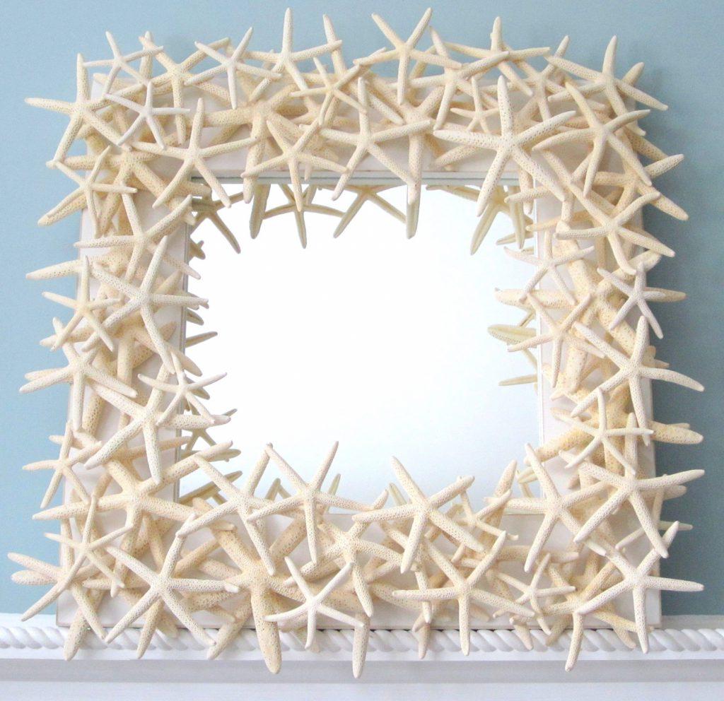 Квадратное зеркало с декором из морских звезд