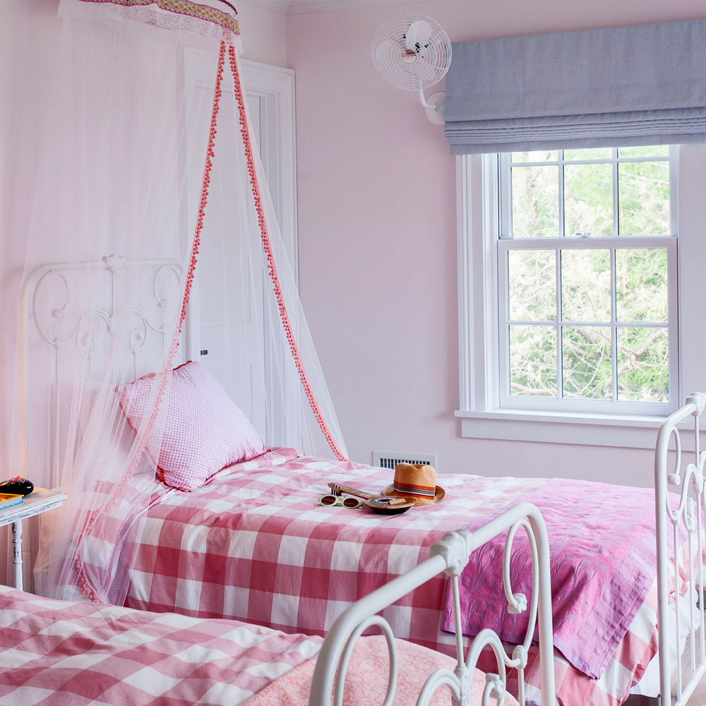 Дизайн штор римских для детской комнаты простой