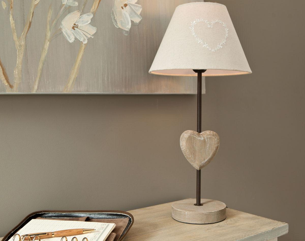 Прикроватный светильник с сердцем