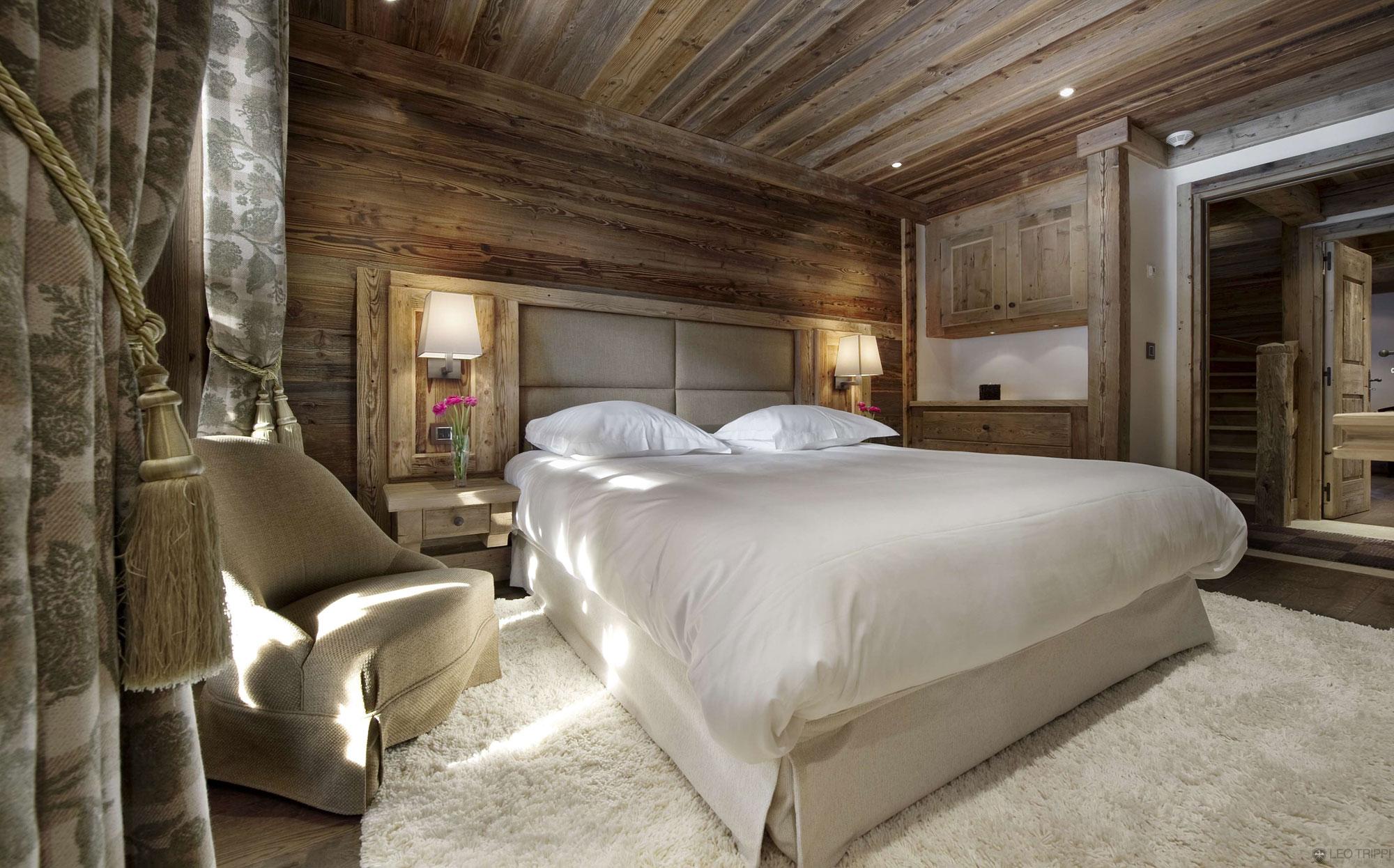 Небольшая спальня в шале